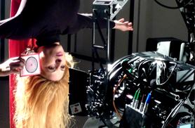 entrenamiento de actores para rodajes con acrobacias de telas aereas